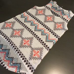 Blu Planet Tops - 🌸5 for $15!🌸 Tribal Tank Top